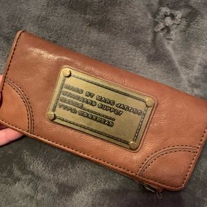 marc by marc jacobs brown wallet